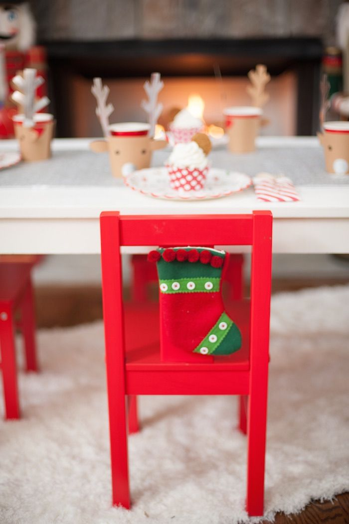 Be Merry Christmas Party via Kara's Party Ideas KarasPartyIdeas.com Cake, decor, printables, tutorials, desserts, food, and more! #christmasparty #kidschristmasparty #merrychristmasparty #holidaypartyideas #childrenchristmasparty (6)