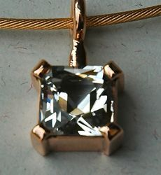 Rose gold and 1 carat diamond pendant! MUST HAVE!!!