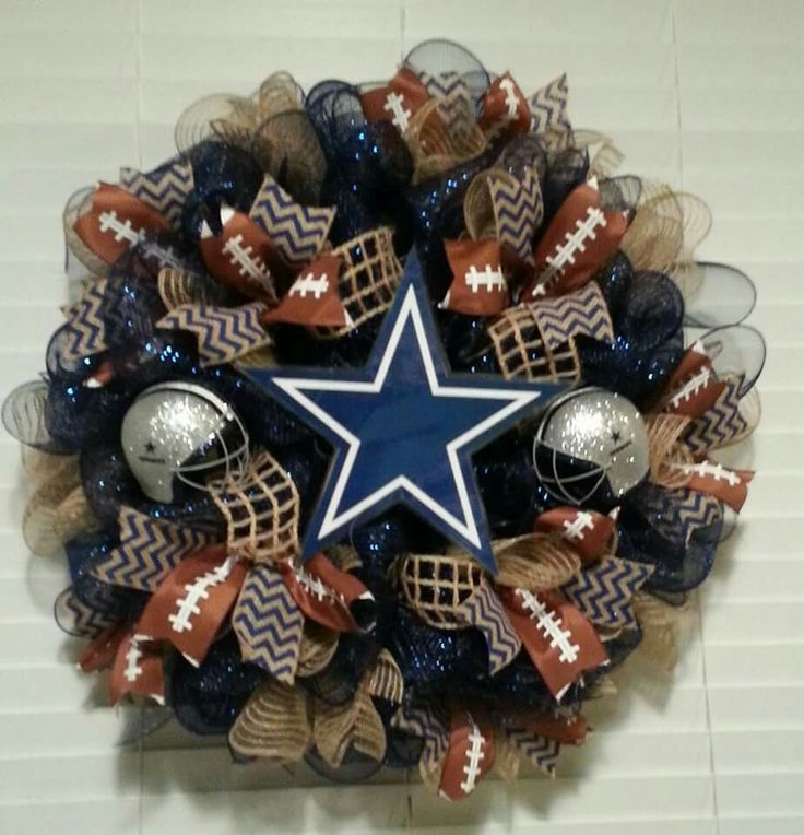 Dallas Cowboys wreath made by Wreaths with a Twist with Sylvia