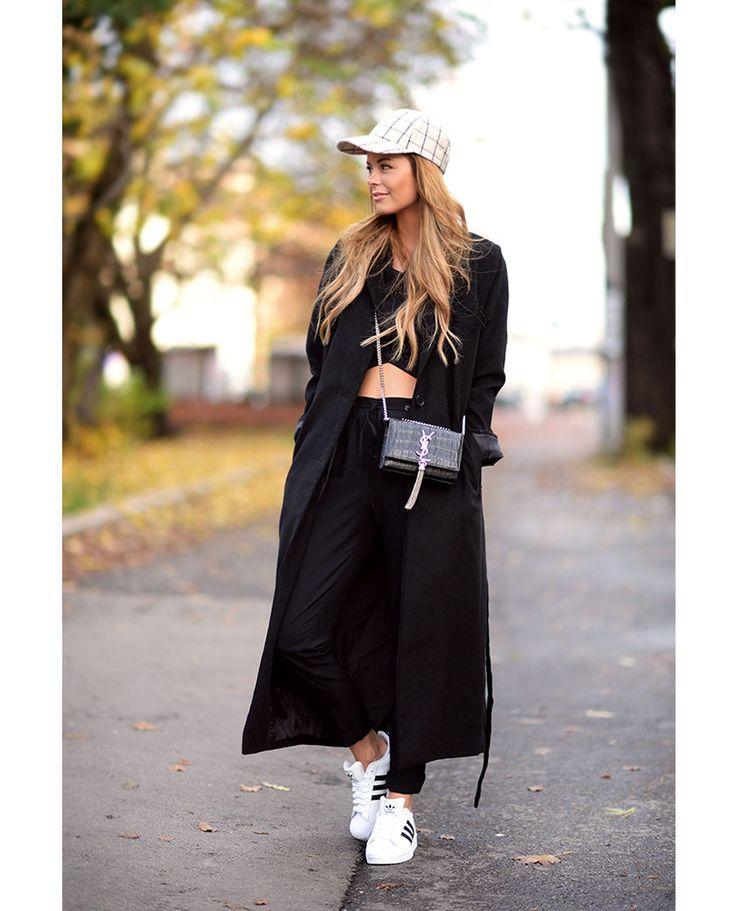 nettenestea outfit antrekk høst november svart kåpe nelly ysl veske adidas sko casual mote blogg annette haga