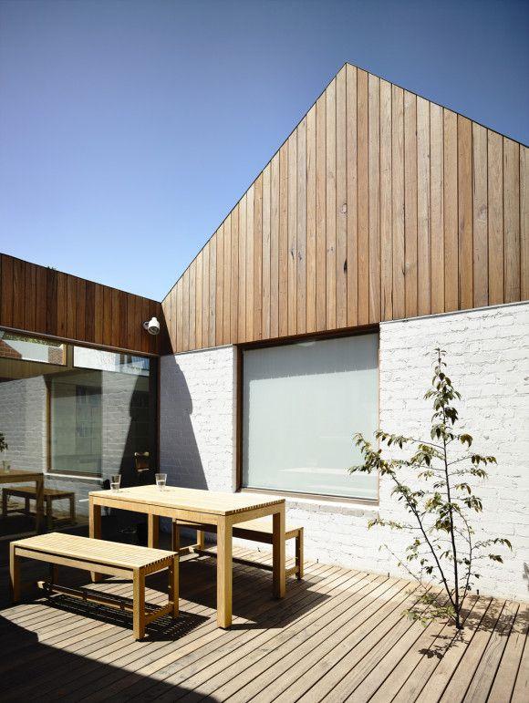 Rob Kennon Architects | Datum House (timber cladding)