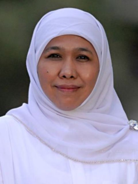 Khofifah Indar Parawansa - Menteri Sosial RI ke-26