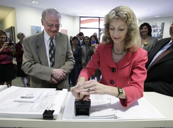 Judge says ex-cons under supervision have the right to vote  An Alameda County judge has ruled that Secretary of State Debra Bowen erred when she told California election officials to forbid some 42,000 former prisoners and other felons from registering to vote. Superior Court Judge Evelio Grillo's decision Wednesday likely comes too late to permit...  http://www.latimes.com/local/political/la-me-ff-judge-says-excons-under-supervision-have-right-to-vote-20140507-story.html