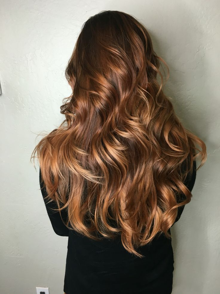Copper hair. Curled hair. Balyage, copper balayage.