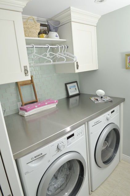 small laundry room idea- like the counter on top