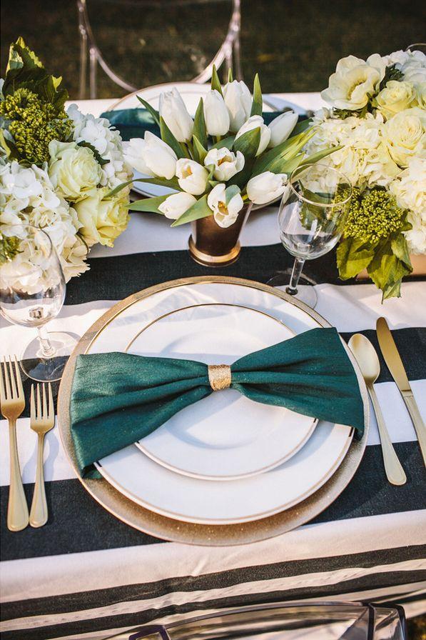 Mariage Vert émeraude – Emerald PANTONE 17-5641