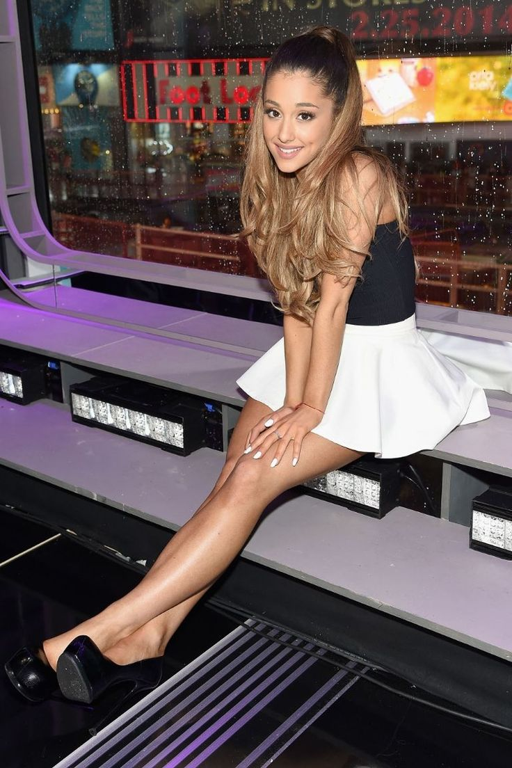 Ariana Grande's Cutest Looks