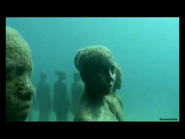 """A special museum impressive sculptures under the sea will open in Cancun in late 2010. It is 400 sculptures, exact copies of the coastal inhabitants of the cities of Cancun and Isla Mujeres. The author of the exhibition, including British artist and sculptor Jason Taylor De Caries , got in his work an almost photographic likeness, according to witnesses, the sculptures have the same height as the people who copy and """"lifelike."""" Jason De Caries Taylor began creating his statement ..."""