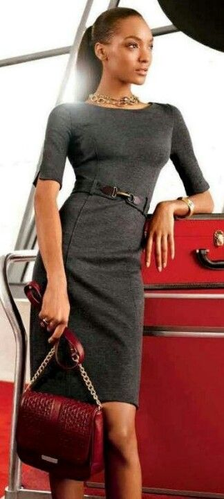 Body conscious pencil dress in gray and brick red purse. A great combination. www.pencildress.org see what is the best dress to a Cocktail party!