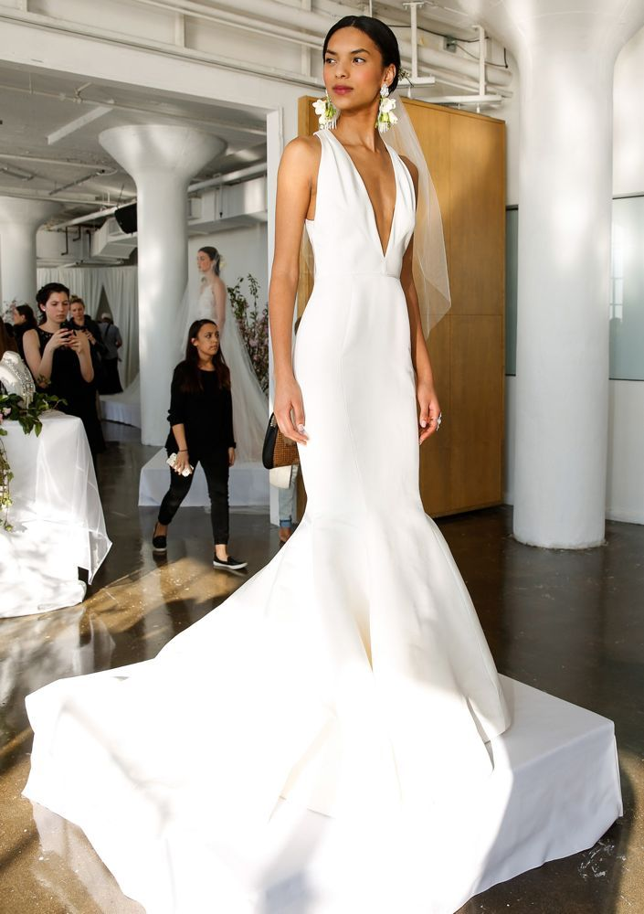 Get inspired by the best sleeveless wedding dresses from the Bridal Spring 2017 collections.