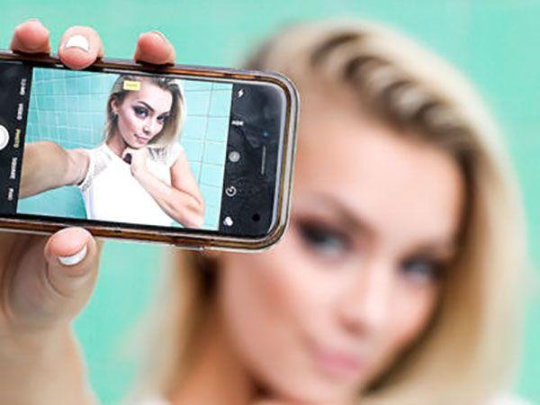 Celeb Phone Iphone Simuler De Faux Appels Facetime Gratuit Facetime Iphone Iphone Apps For Mac