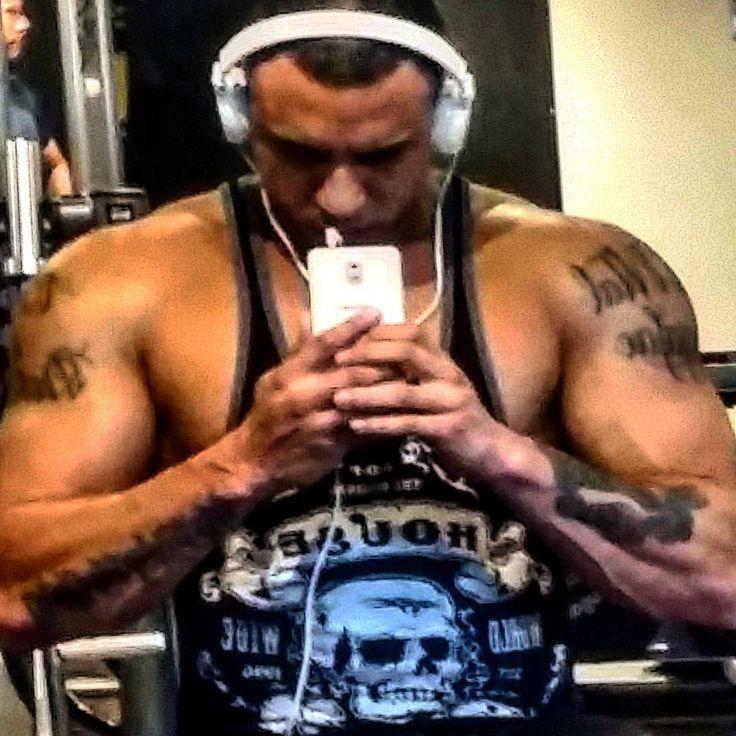 Para você q duvidou... Não duvide... Treino de costas no insta mais tarde!!! Sangue espartano  #clinicanamaste #rudgepharma  #balestrinteam #nopainnogain #esmagaquecresce #fodaseopadrao  #mensphysique #fikagigante  #selfie #workout #arnold #body #tags #likes #cresceporra #foconessaporra #fikagrandeporra #training #fisiculturismo #beastbodybuilding  #instagram #eusouxteam #zicamemo by oficial_carlaopersonal