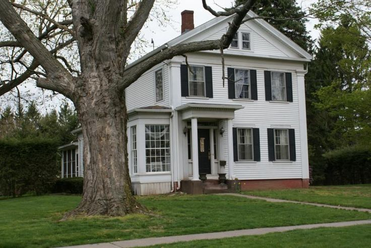 Historic Home In Enfield
