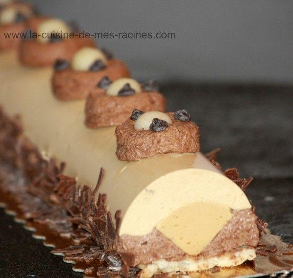Buche au caramel au beurre salé,avec photo étapes par étapes   Je vous propose la recette de ma dernière Bûche au Caramel au beurre salé de l'année 2012 et ce qui est génial avec cet entremet on peut le réaliser tout au...