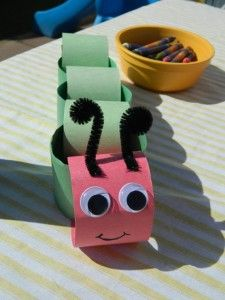 Hungry Caterpillar paper chain craft for kids