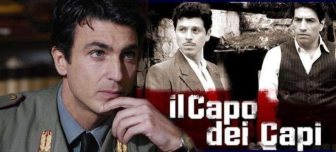 Il capo dei capi La serie racconta la storia del noto boss corleonese di Cosa nostra Salvatore Riina, alias Totò u Curtu, interpretato da Claudio Gioè. La