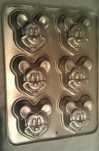 1995 Wilton Disney Mickey Mouse 6 Cupcake Brownie Muffin Mini Cake Pan 2105 3600 | eBay