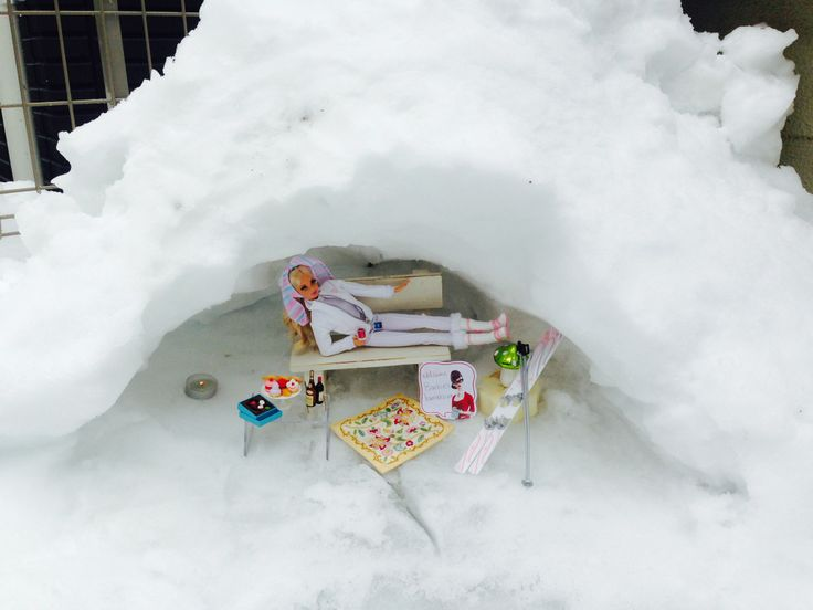 Relax time with hot wine in the snow dome what Japanese call KAMAKURA on16th of Feb,2014