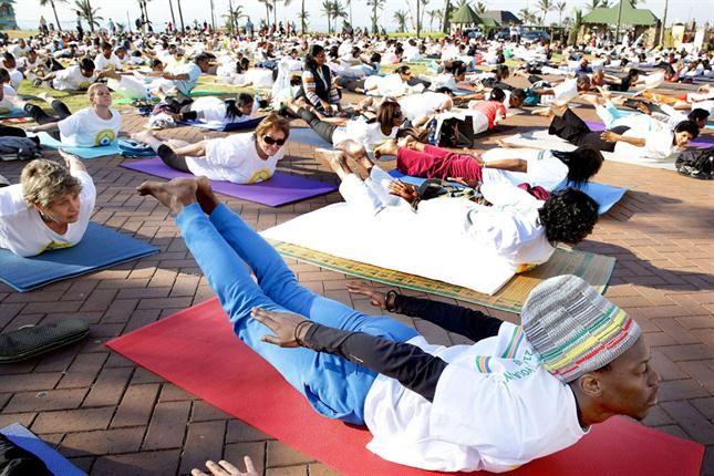 En Durban, Sudáfrica, se sumaron a la movida.Celebración del Dia Internacional del Yoga.