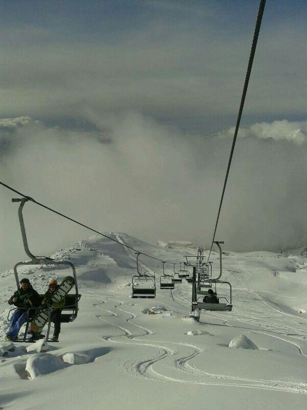 Un tranquilo ascenso en #CerroCatedral antes de un momento lleno de adrenalina en la #NieveArgentina! #Bariloche #RíoNegro #Patagonia #Argentina #Viajes #Paisaje #Nieve #Snow #ArgentinaEsTuMundo Más Info en www.facebook.com/viajaportupais