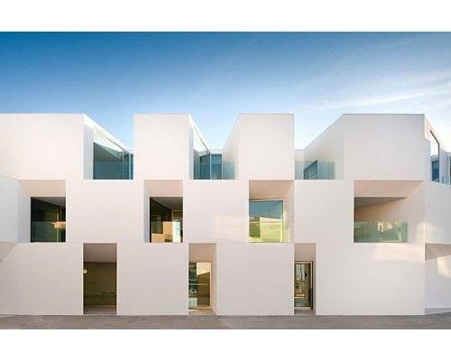 Une maison de retraite moderne Aires Mateus Architects, Portugal, Santa Casa Da Misericordia