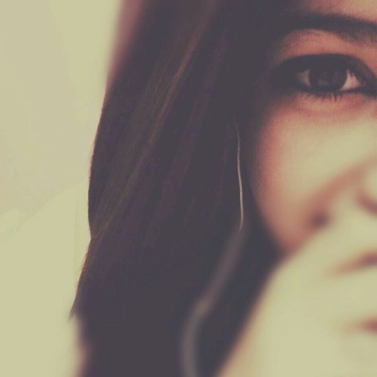 Pin By Tar On Girly Dpzzzzzz Girl Hiding Face Portrait Photography Poses Girly Photography
