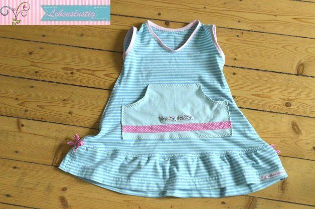 Upcycling ... olles Shirt wird süßes Sommerkleidchen mehr dazu hier:  http://www.lebenslustig.net/2016/02/14/aus-nem-altem-shirt-wird-ein-sommerkleidchen/