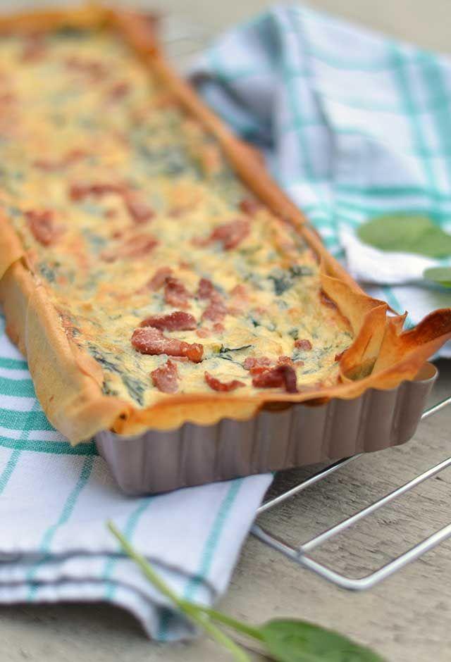 Quiche filodeeg met spinazie en ricotta. Een heerlijke, knapperige quiche die bomvol smaak zit en ook nog eens makkelijk is om te maken. Bekijk snel het recept!