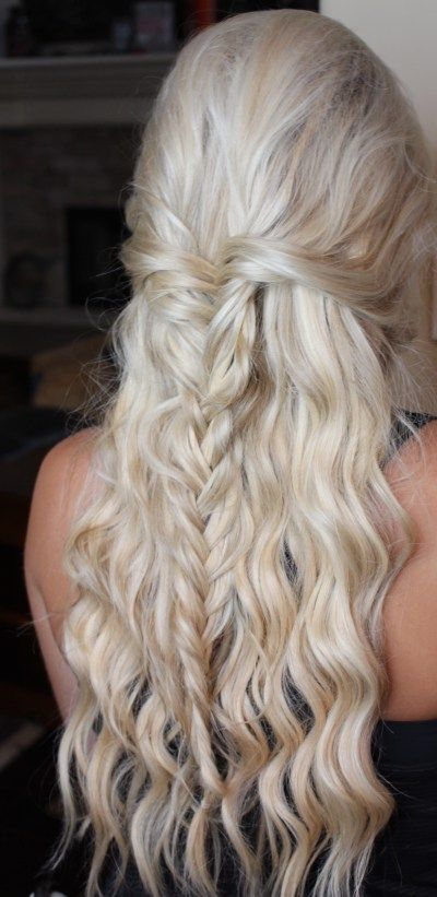 Homecoming Hairstyles For Long Hair wavy half up half down hairstyle with a braid Best 20 Homecoming Hair Ideas On Pinterest Formal Hair Grad Hairstyles And Prom Updo