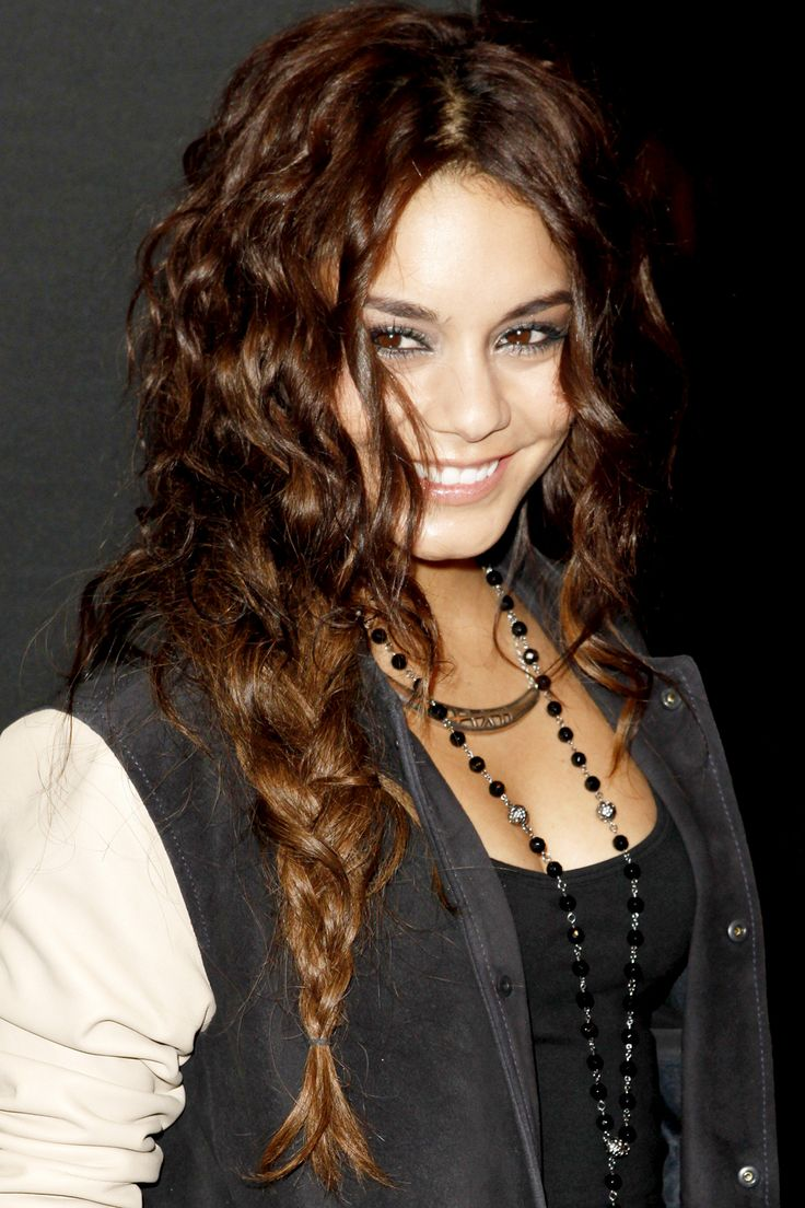 ways to style wavy hair gorgeous ways to style hair hair styles 8663