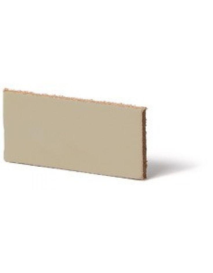 Leerstrook 25mmCream 25mmx85cm geschikt voor 5 handgreepjes van 17 cm. Ga zelf aan de slag en maak je keukenkastjes of opgeknapte kastnog leuker met de zelfgemaakte lederen handgreepjes. Hoog waardig leer gelooid en bewerkt in Nederland. 100% Dier vriendelijk 100% Echt leder Kleur: Cream Breed: 25 mm dikte: 2,2mm Lengte: 85cm Ook leverbaar in de …