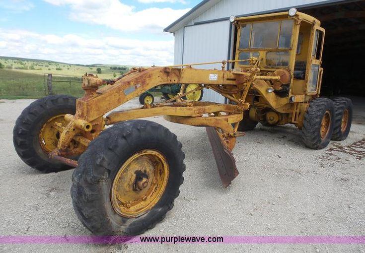 image for item K3582 1951 Caterpillar 112 rigid frame motor grader - my dad had one like this- https://www.purplewave.com/auction/160929/item/K3582