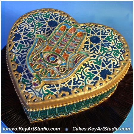 heart box moroccan motif Hamsa cake by Cakes.KeyArtStudio.com, via Flickr
