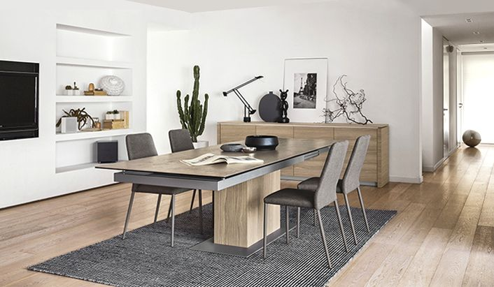 La mesa Park, de la firma Calligaris, es ideal para espacios amplios e iluminados.