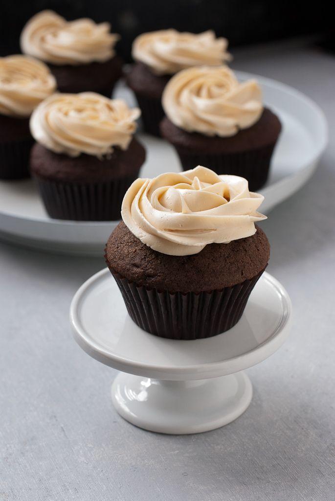 Dark Chocolate Cupcakes With Salted Caramel Buttercream www.PineappleandCoconut.com