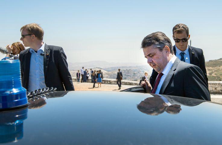 Jetzt lesen: Eklat in Israel: Netanjahu lässt Treffen mit Sigmar Gabriel platzen - http://ift.tt/2oIhL8g #nachrichten