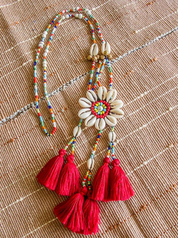 Akha Seashell Tassels Necklace/ Ethnic / Hippie / Tribal