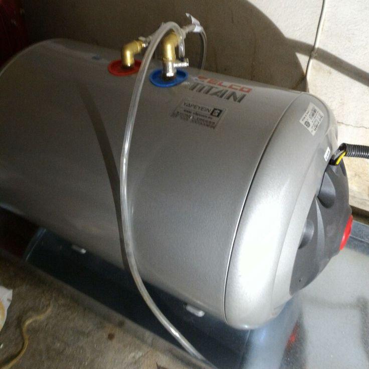 ΥΔΡΕΥΕΙΝ Υδραυλικοι Καλλιθέα εγκατάσταση Ηλεκτρικού Θερμοσιφωνα ELCO TITAN 80LT www.υδρευειν.eu 2117702013