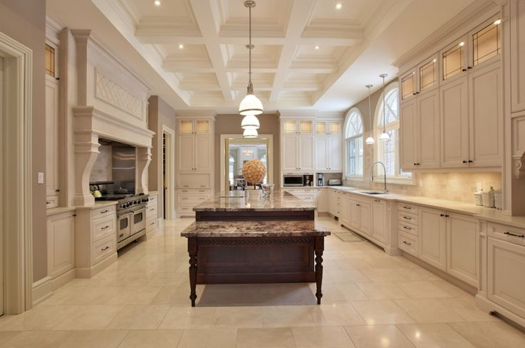 Beautiful kitchen in a toronto mansion kitchens for Huge kitchen designs