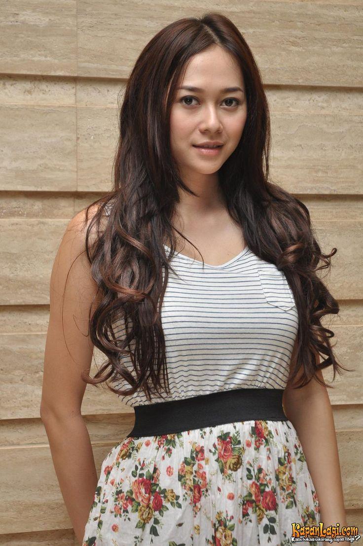 Hot indonesian singer celeb artis indo goyang hot 4