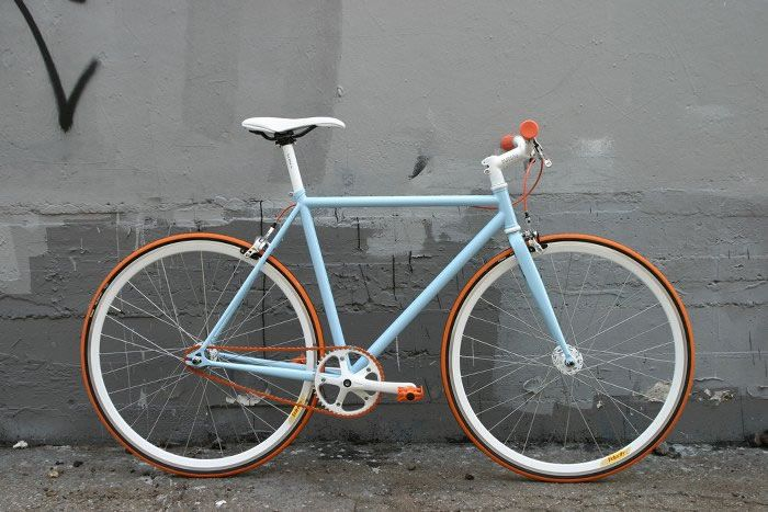 Bicicleta Fixie New Holland, alegre, elegante :) www.armatubici.cl