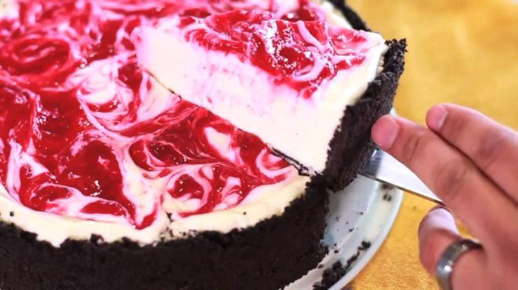 INGREDIENTES Y CANTIDADES: Para el Relleno: - 16 oz (450 g) de Queso Crema a temperatura ambiente - ½ Taza (115 g) Mantequilla sin Sal a temperatura ambiente - 1 Taza (190 g) Azúcar