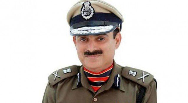Bleeding Constable Kept Firing From Post Infiltration Bid Foiled   In his first remarks on the terror strike that was thwarted in Kashmirs Baramulla town last night Border Security Force (BSF) Director General KK Sharma spoke exclusively to India Today. Elaborating upon the role of deceased Constable Nitin Kumar Sharma recounted Militants tried to infiltrate the 46 Rashtriya Rifles camp of the army where we were deployed to secure morcha. Because of alertness of BSF men this was foiled. We…