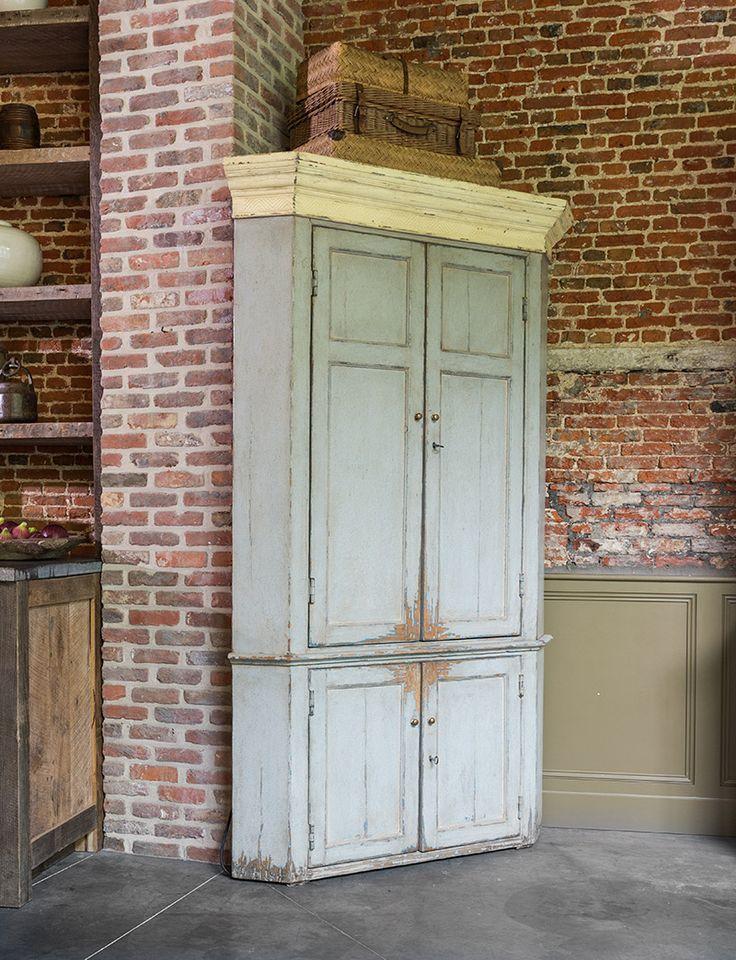 Hoekkast Amerikaanse stijl met een groene patine - American style corner cabinet - Green patina - #WoonTheater