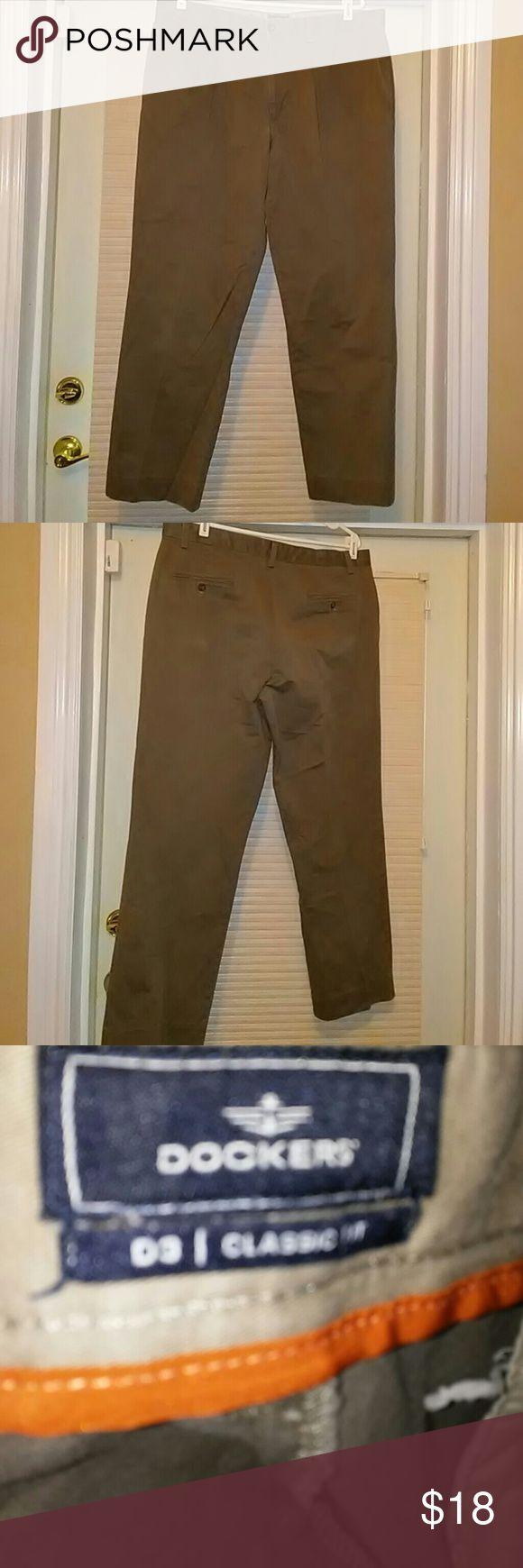 Khaki men pants...Dockers classic fit...38x32 Men khaki pants Dockers Pants Chinos & Khakis