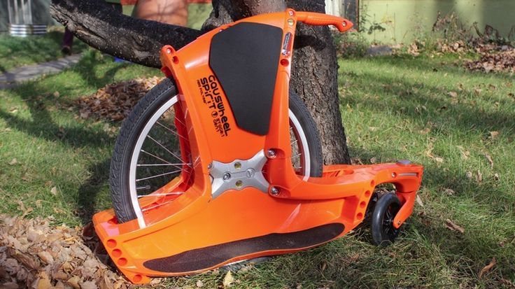 At first glance, it's certainly possible to think that the Gauswheel Spirit is sort of a low-rider unicycle, or that it has a motor. In fact, though, it's an inline two-wheeler that's entirely human-powered. We recently had a chance to try it out for ourselves.
