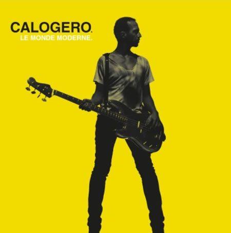 Calogero continue l'exploitation de son dernier album studio, Les Feux d'Artifice, sorti en 2014. C'est le titre, Le Monde Moderne, qui est proposé pour poursuivre l'aventure musicale de ce disque. Un disque qui a été certifié disque de Diamant pour plus...