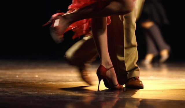 Whether you want to learn ballroom, salsa, swing, or hip hop, these free online dance lessons can help. Learn to dance by watching online videos and practicing the steps at home.
