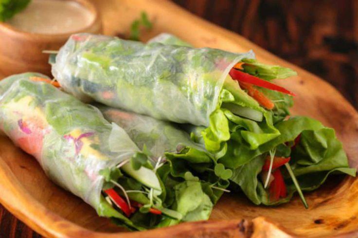 Misschien wel één van de lekkerste vegetarische en gezonde snacks is deze verse Vietnamese loempia. En het mooie is, ze zijn heel makkelijk te maken!