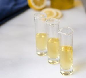 Homemade limoncello | yum ideas: beverages | Pinterest